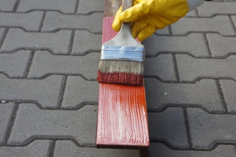 Best paint finishes - oil or latex paint