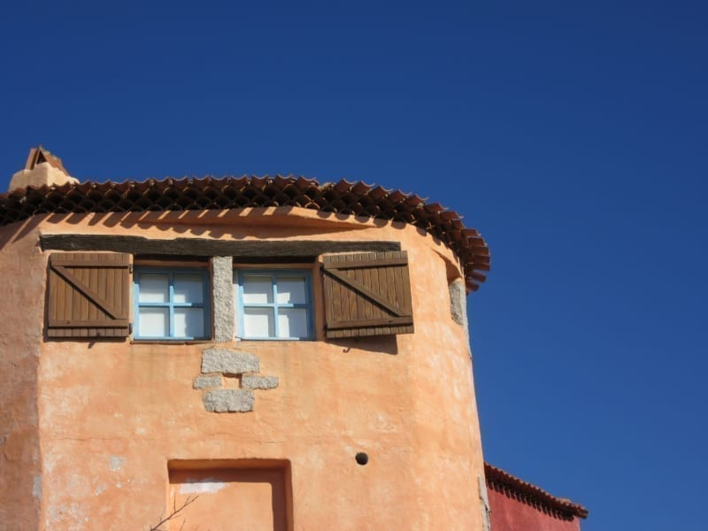 Stucco repair and painting - pros