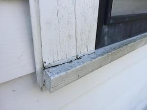 gap in home paint caulk
