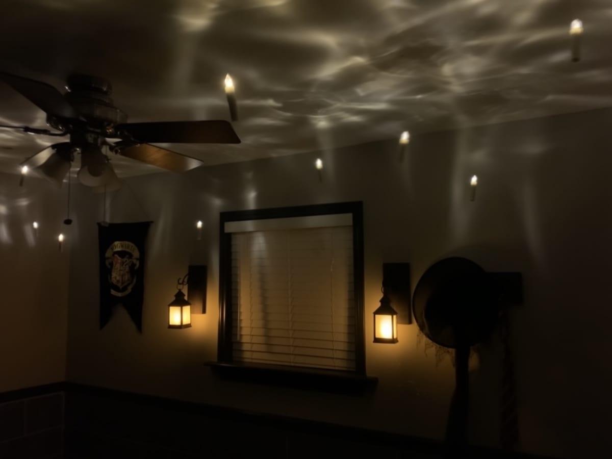 Harry Potter Hogwarts bedroom floating candles