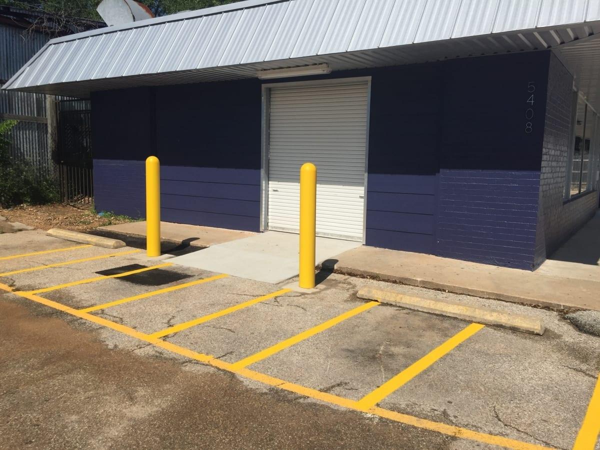 commercial laundry exterior entry door blue masonry.JPG