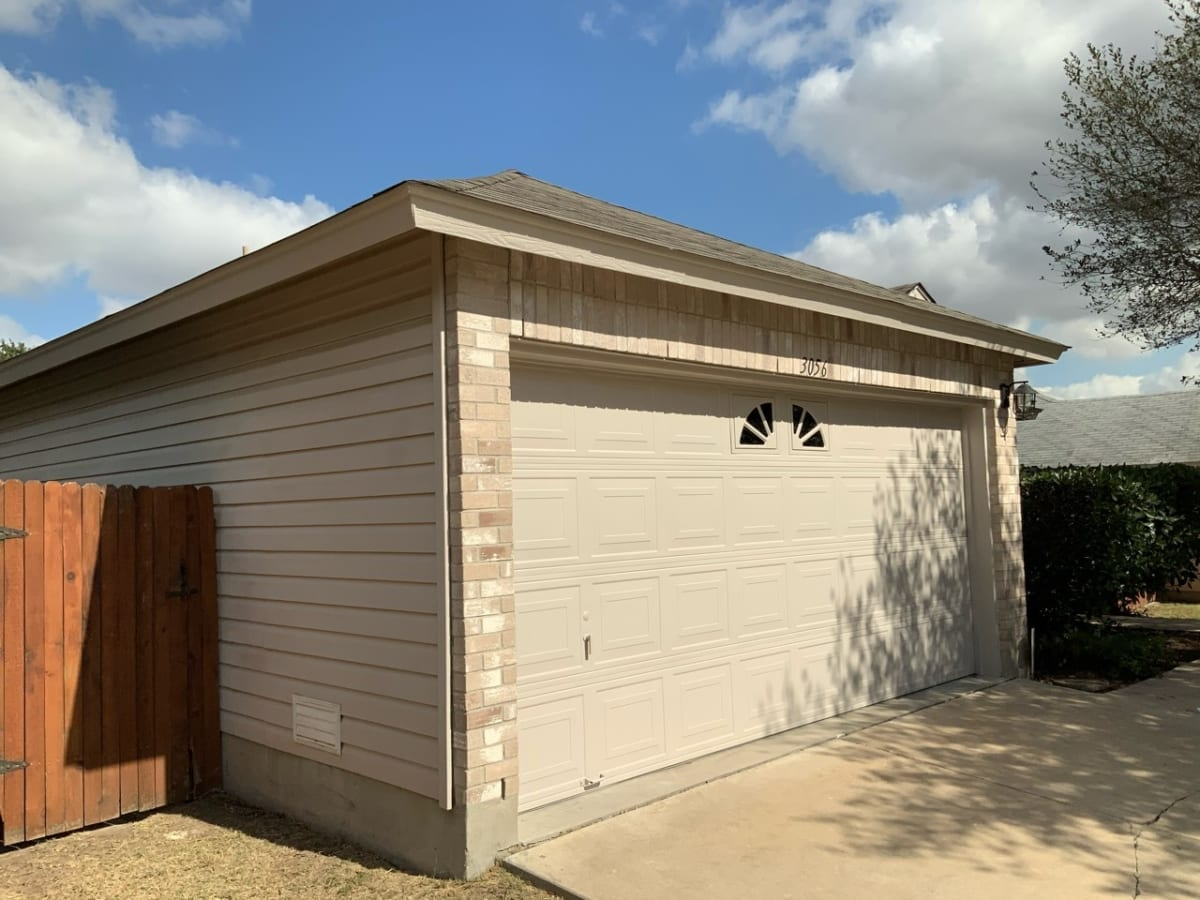 outdoor house paint - garage