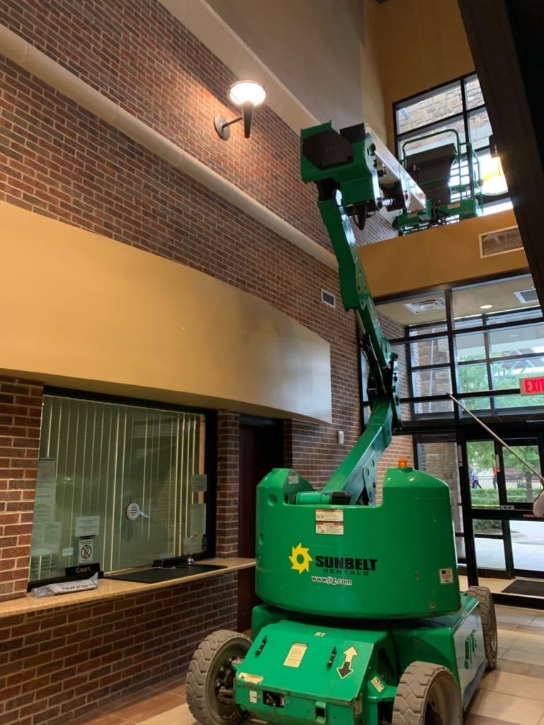 commercial lift for painting